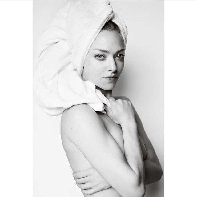 Аманда Сейфрид фотография в полотенце