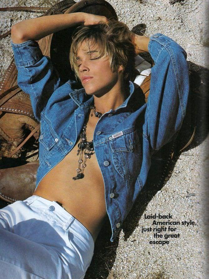 Эмма Сьоберг фотография в джинсовой куртке