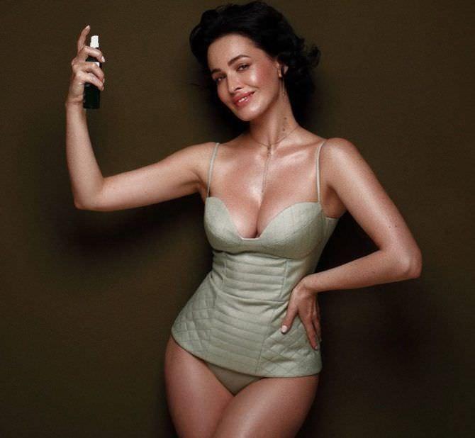 Даша Астафьева рекламное фото в нижнем белье из инстаграм