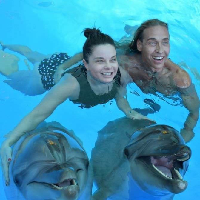 Наташа Королёва фото с дульфинами