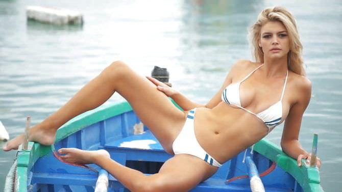 Келли Рорбах фотография в белом бикини