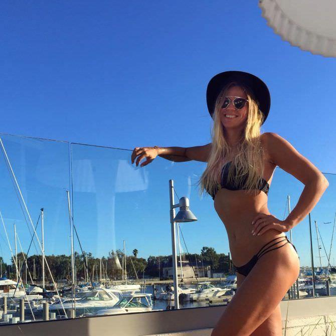 Юлия Ефимова фото на фоне яхт