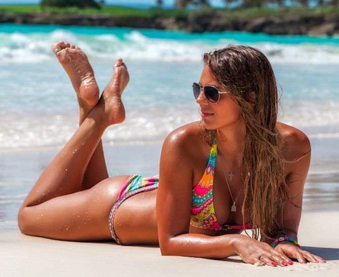 Юлия Ефимова фото на песке на пляже