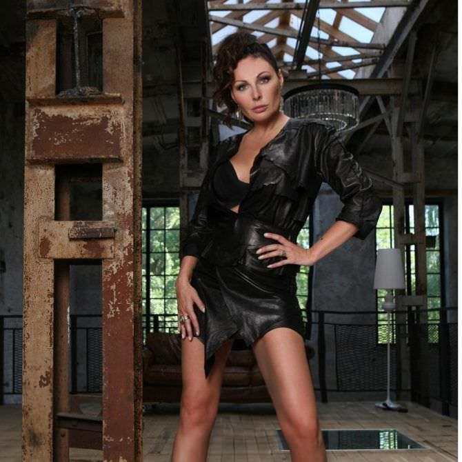 Наталья Бочкарева фото в чёрном наряде