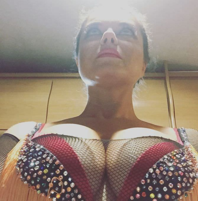 Наташа Королёва фото груди