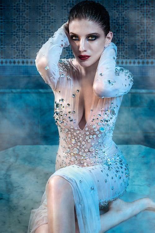 Анна Чиповская фотография в вечернем платье для журнала