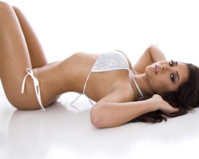 Арианни Селесте фотография в белом бикини