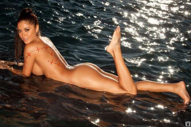 Арианни Селесте фото без одежды в журнале