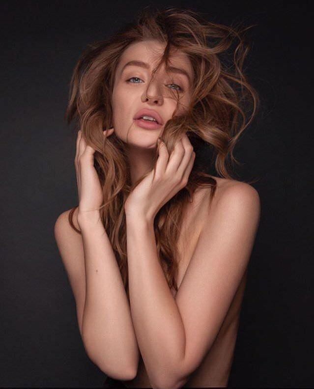 Мария Миногарова фотография топлесс