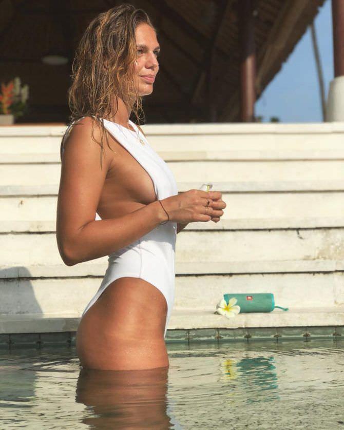 Юлия Ефимова фотография в белом купальнике