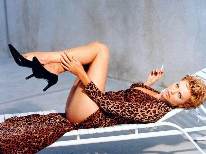 Шарлиз Терон фото в леопардовом платье