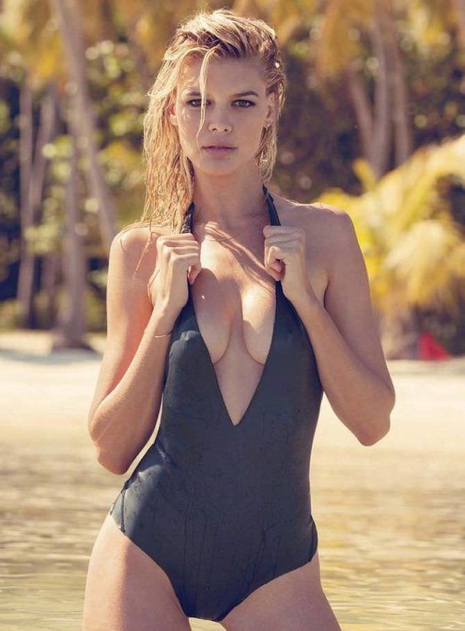 Келли Рорбах фото в закрытом купальнике