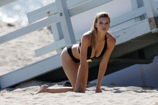 Келли Рорбах фотография на пляже