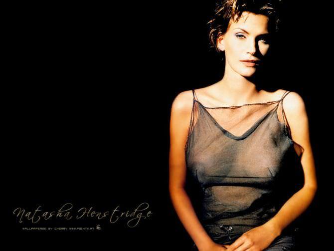 Наташа Хенстридж фото в вечернем платье