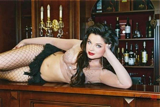 Наташа Королёва фото в колготках в сетку
