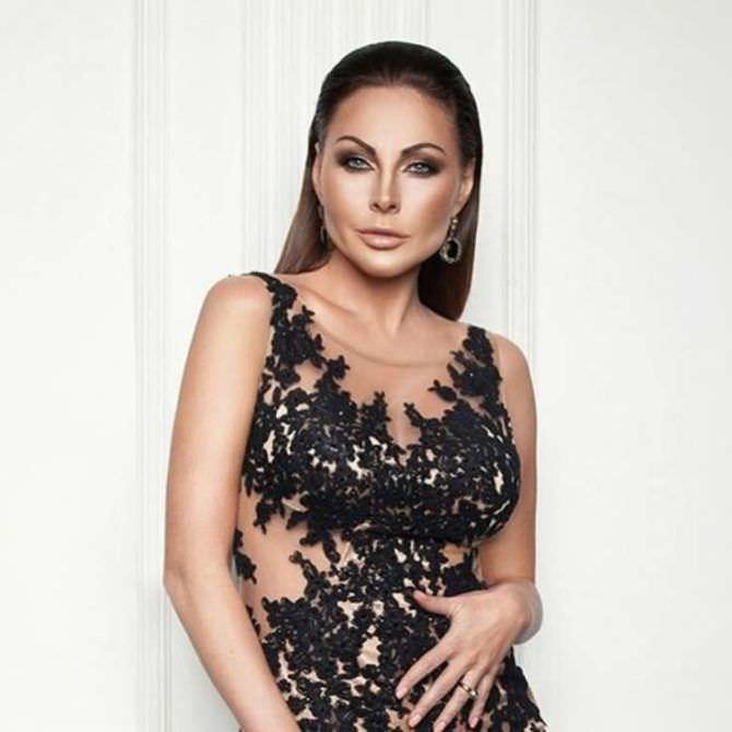Наталья Бочкарева фотосессия в красивом платье
