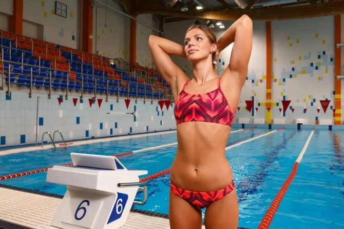 Юлия Ефимова фотография в спортивном бикини