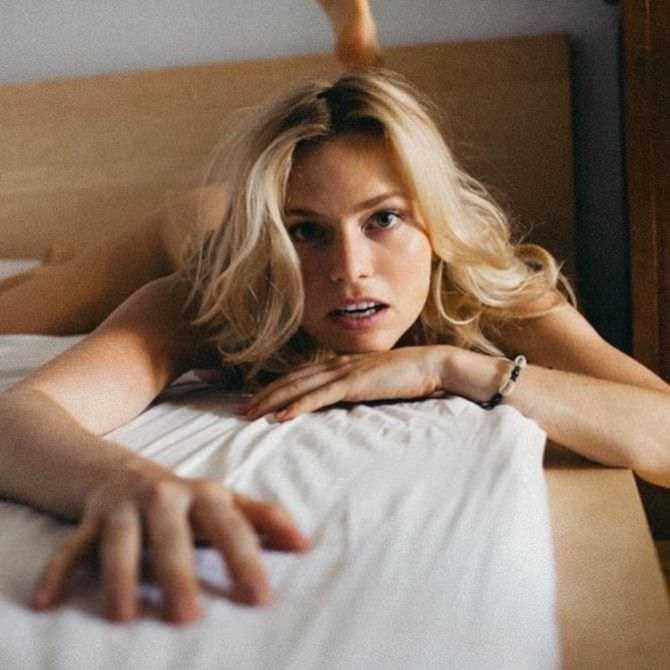 Елена Чернявская фотография в спальне