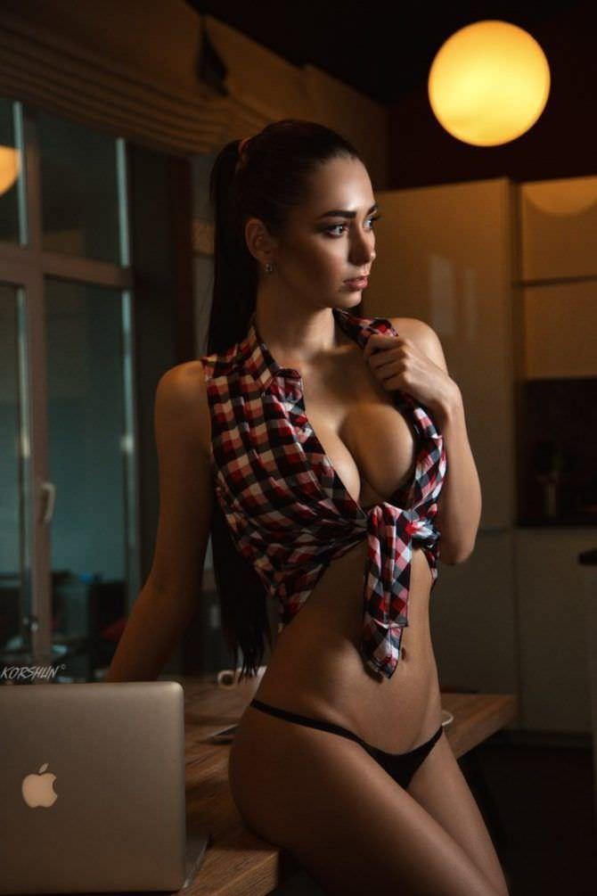 Хельга Ловкейти фото в рубашке