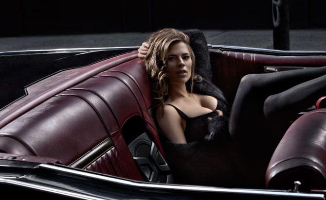 Хейли Этвелл фото в кабриолете