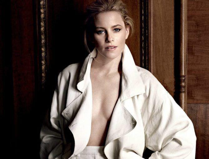 Элизабет Бэнкс фото в белом пальто