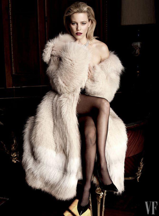 Элизабет Бэнкс фотография в меховом манто
