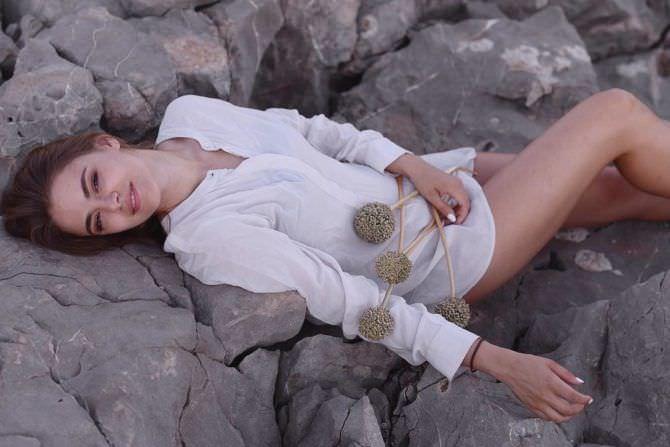Маргарита Аброськина фотосессия в рубашке
