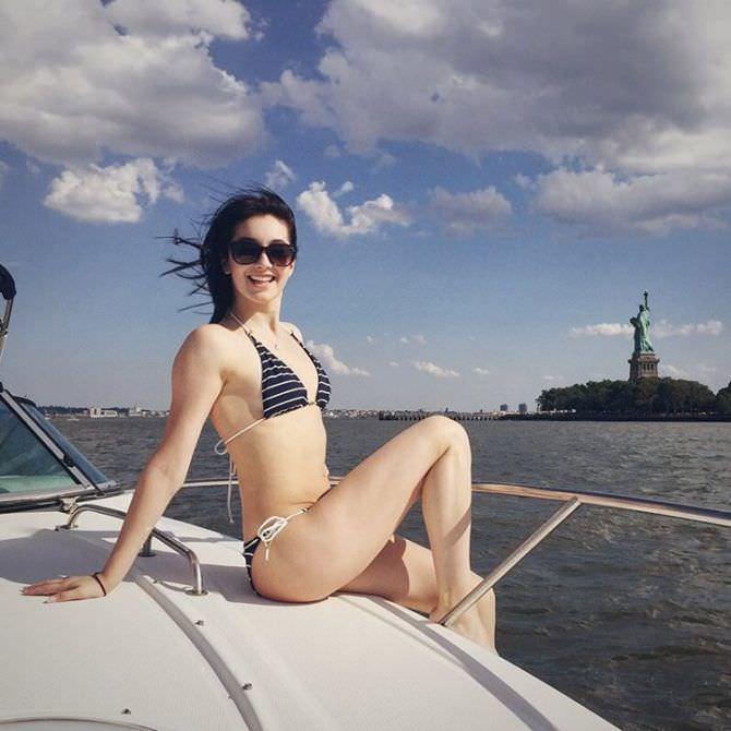 Василиса Даванкова фото на яхте в бикини