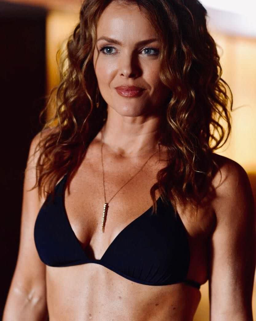 dina-meyer-hot-images-xx-hot-african-grils-xxx