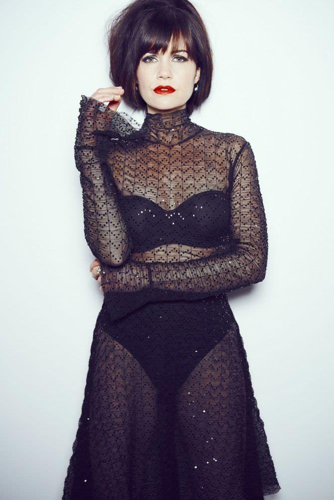 Карла Гуджино фото в прозрачном платье