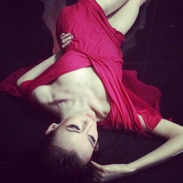 Анастасия Иванова фото в розовом платье