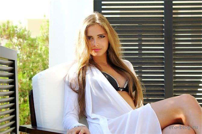 Каролина Севастьянова фото в бикини и рубашке