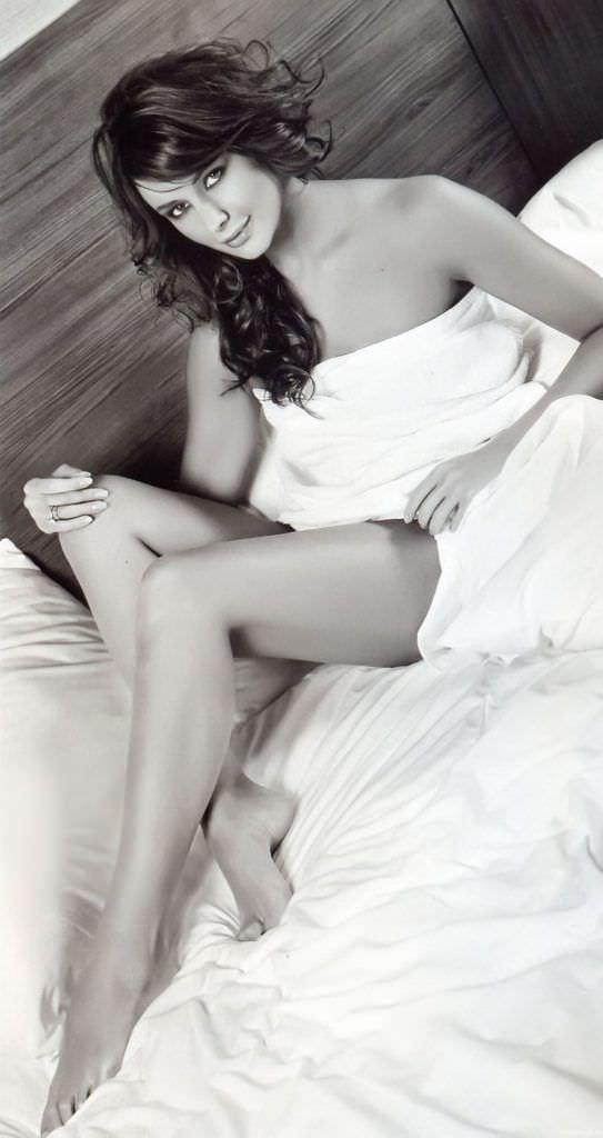 Оксана Фёдорова фотография в постели без одежды