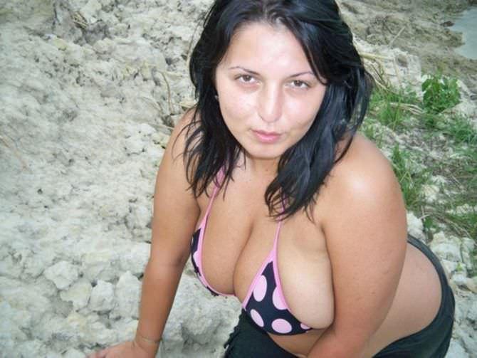Рима Пенджиева фото в бикини в горошек