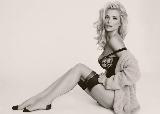 Татьяна Котова фотография в нижнем белье и чулках