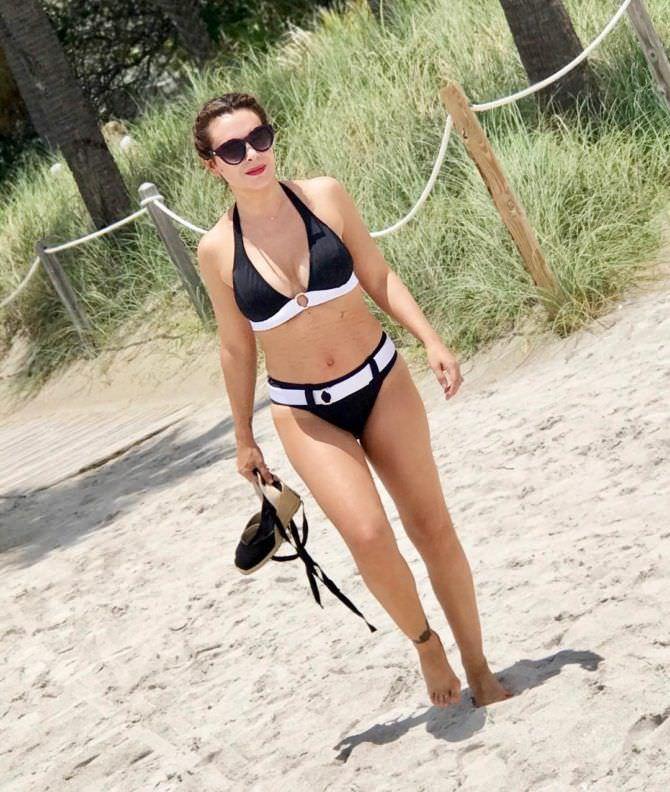 Алисса Милано фото в бикини в инстаграм