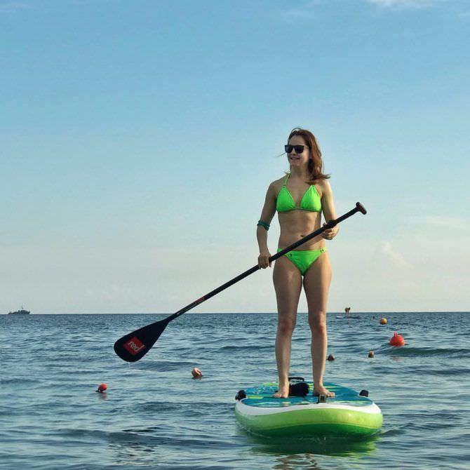 Валентина Рубцова фотов купальнике на байдаке