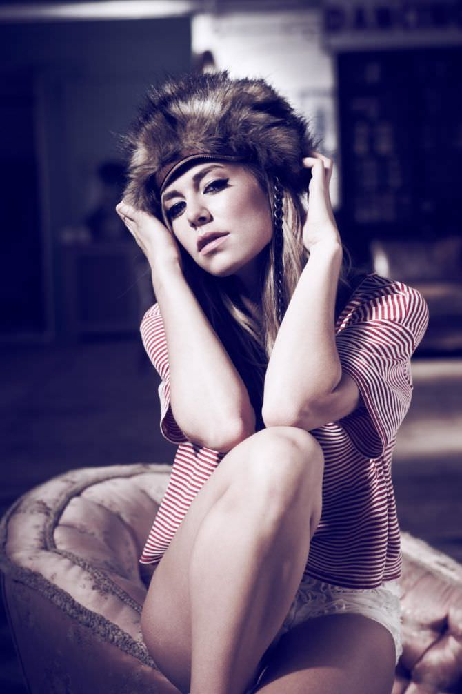 Ванесса Кирби фото в журнале в нижнем белье