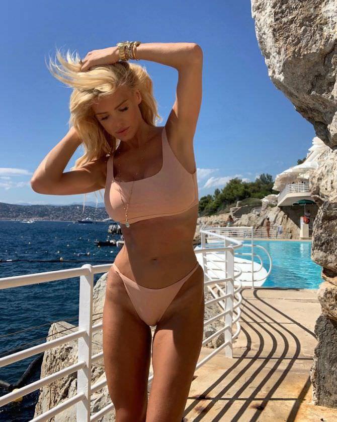 Виктория Сильвстедт фото в бикини в инстаграм