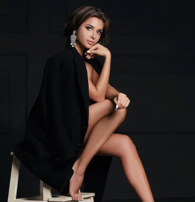 Каролина Севастьянова фотография в пиджаке