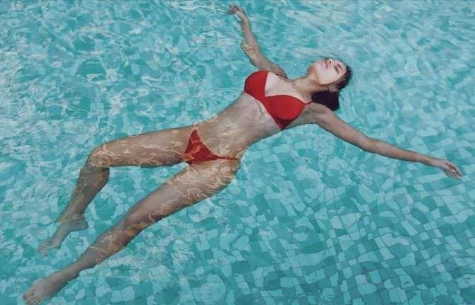 Моша Макеева фото в бассейне