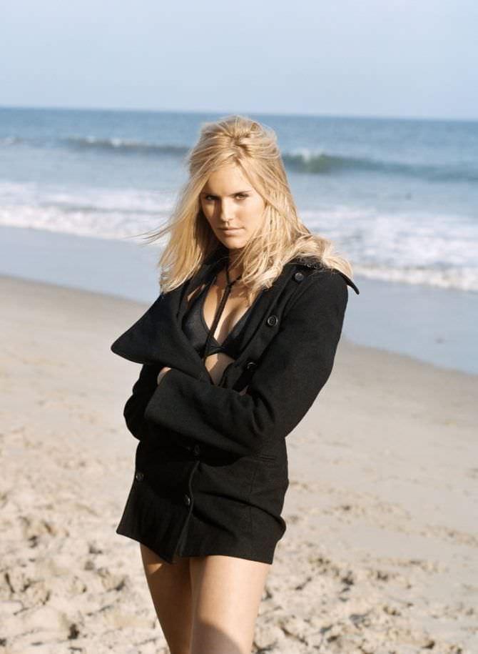 Мэгги Грейс фотография в максим 2009