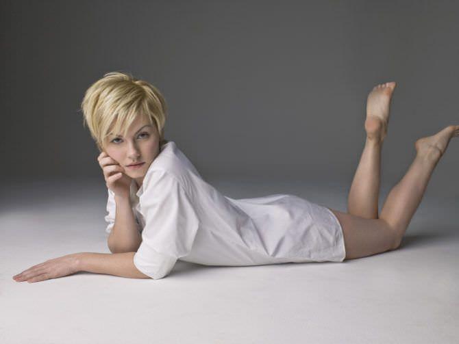 Элиша Катберт фотосессия в белой рубашке