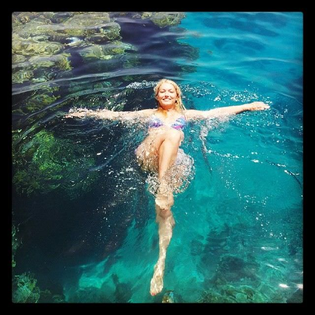 Виктория Герасимова фото в воде