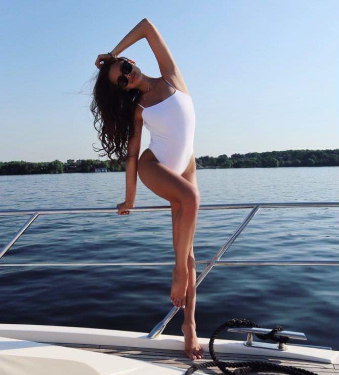 Каролина Севастьянова фото в купальнике из инстаграм