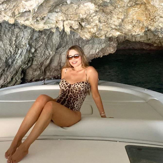 София Вергара фото в купальнике в инстаграм