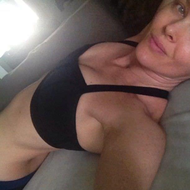 Дина Мейер фото из инстаграма