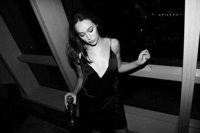 Алисия Дебнем-Кери фотография в инстаграм