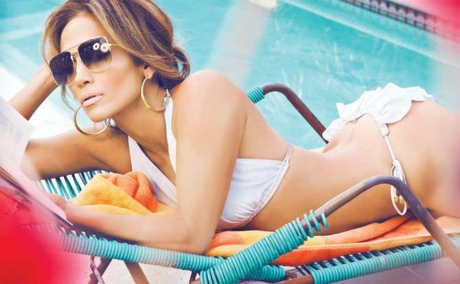 Дженнифер Лопес фото в белом бикини