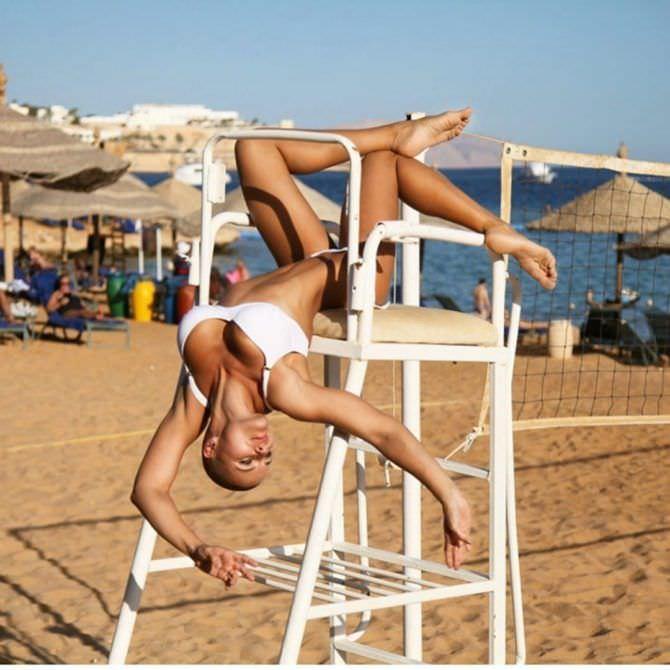 Марина Вовченко фотография в белом бикини